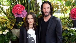 Winona Ryder says she and Keanu Reeves got married during 'Dracula'