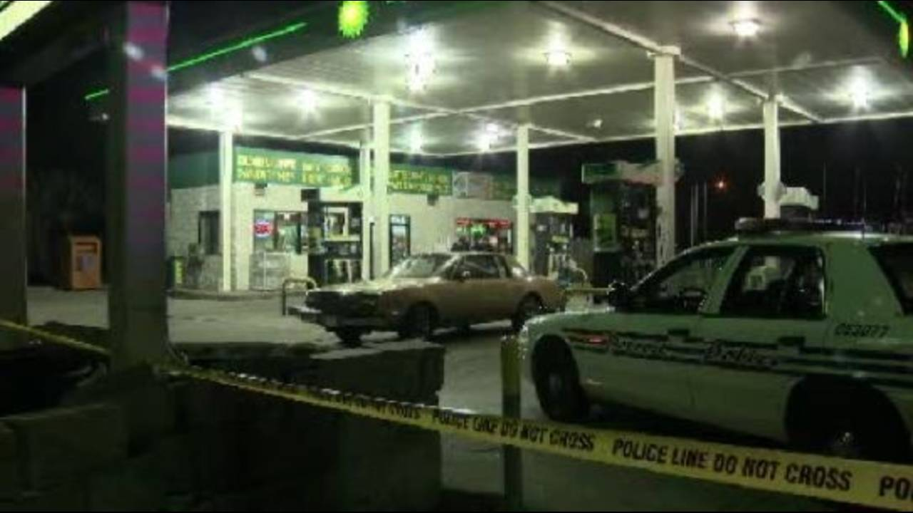 Detroit gas station clerk shooting 2_19632296