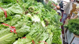 CDC expands E. coli warning to all romaine lettuce