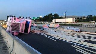 Tractor-trailer spills lumber onto I-4 in Maitland, causing traffic mess
