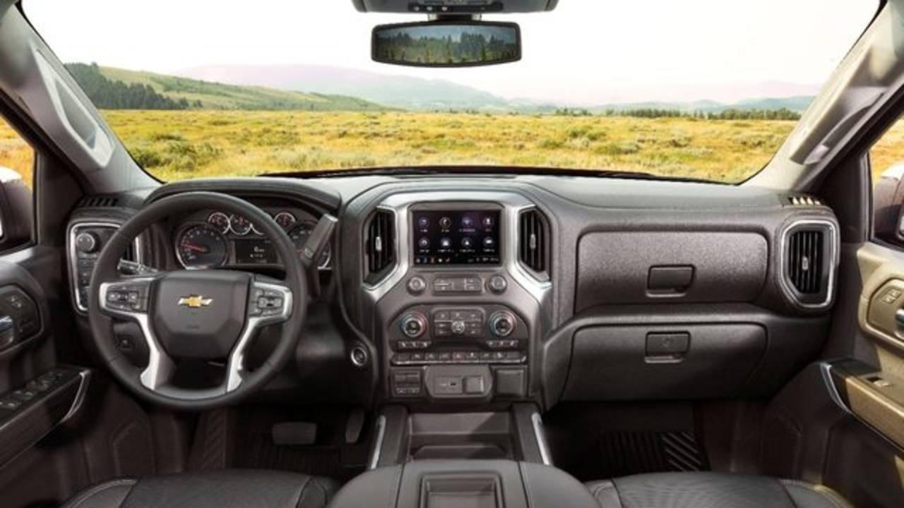 2019-Chevrolet-Silverado-LTZ-038 Cropped_1550095581858.jpg.jpg
