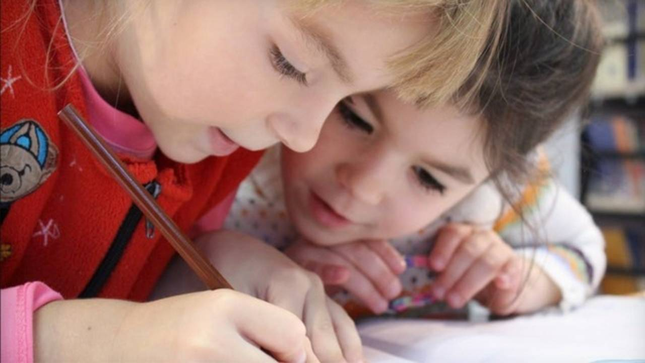 kids in school_jpg