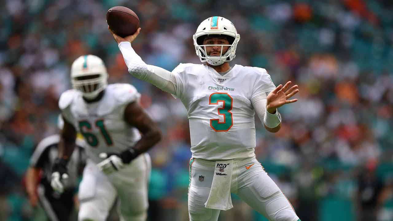 Miami Dolphins QB Josh Rosen looks to pass vs Los Angeles Chargers