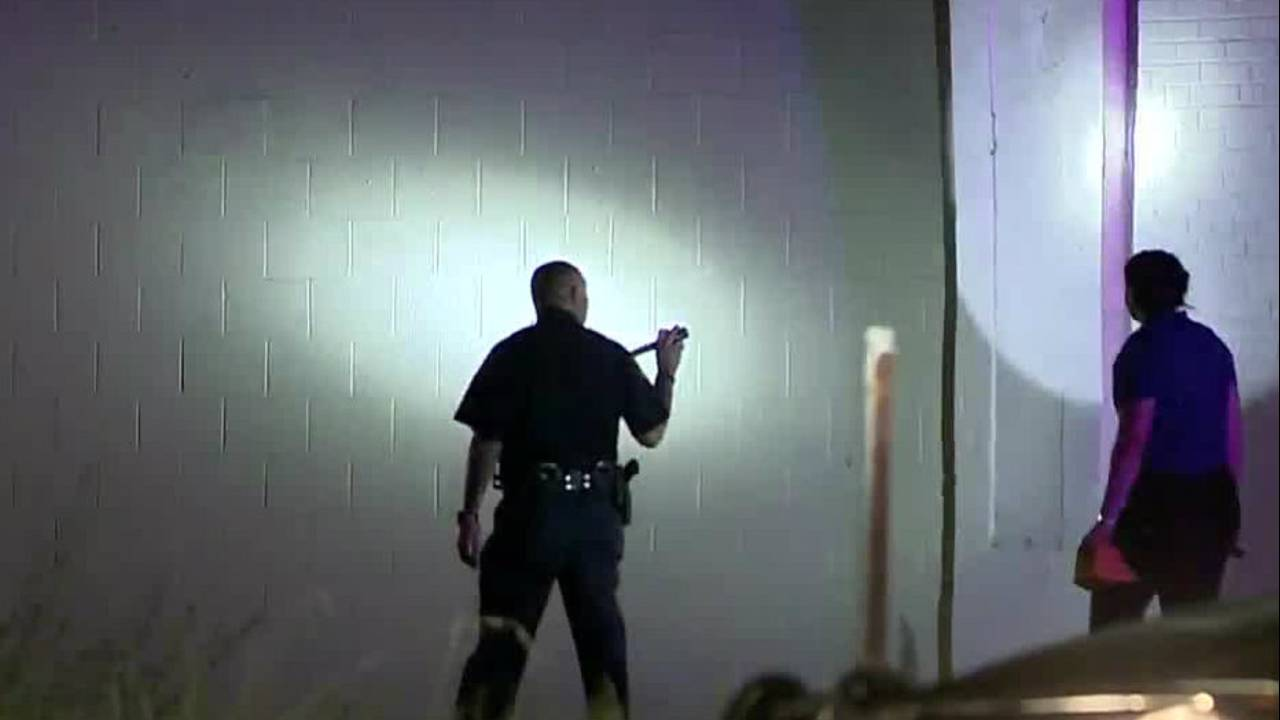 search southwest gunman fires at officer_1500633037055.jpg