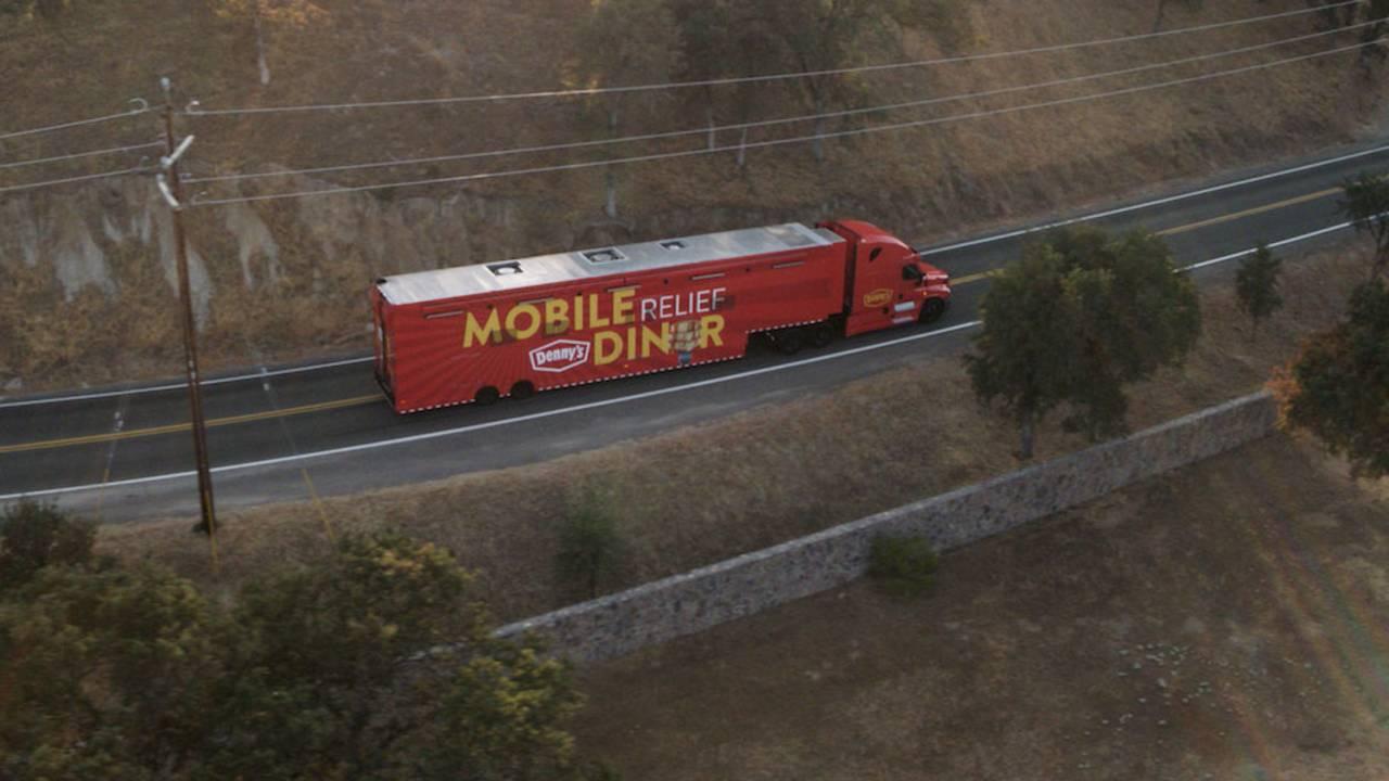 Dennys-Mobile-Relief-Diner-2_1537369511485.jpg
