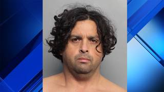 Man wearing dress exposes himself to woman, daughter at Miami Beach&hellip&#x3b;
