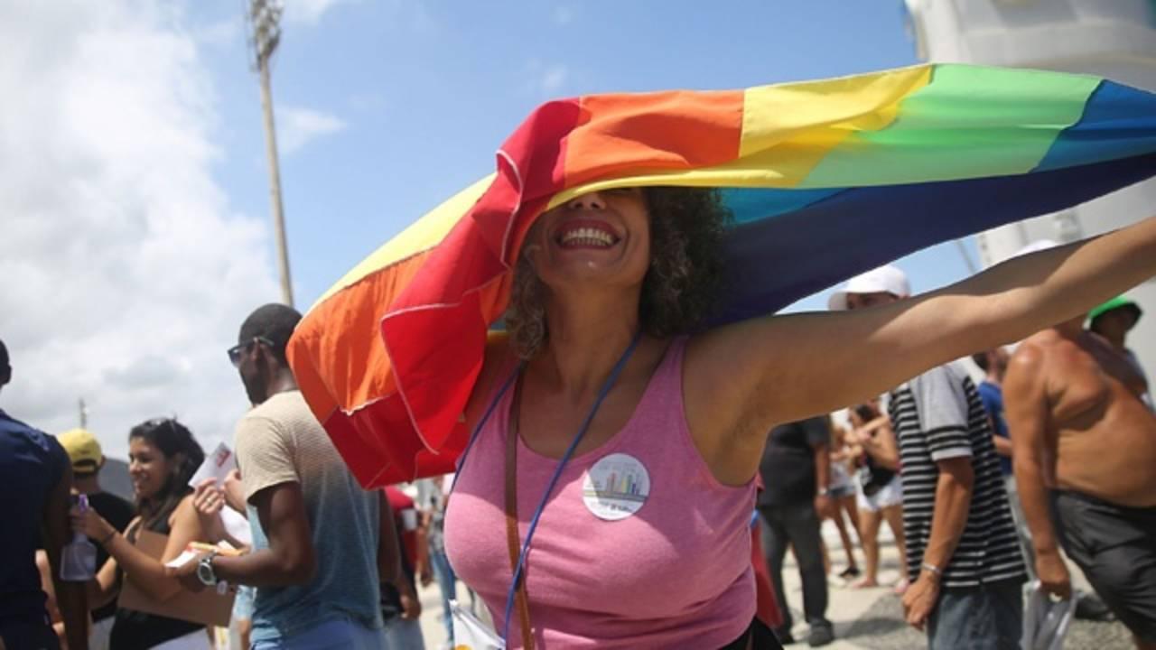 LGBT Boycotts -- Gay pride parade_3164915436380922-75042528