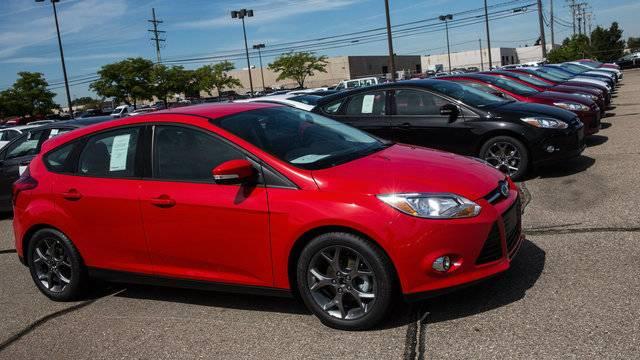 Ford Recalls 74 000 Focus Hatchbacks For Hatch Release Problem