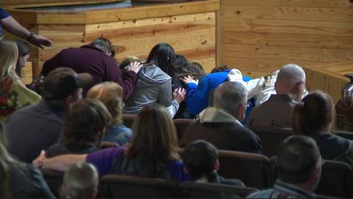 Friends gather to remember family members killed in Liberty County crash