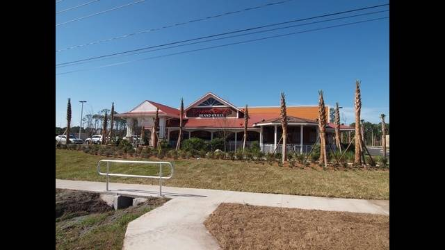 New Bahama Breeze Restaurant Opens In Waterford Lakes