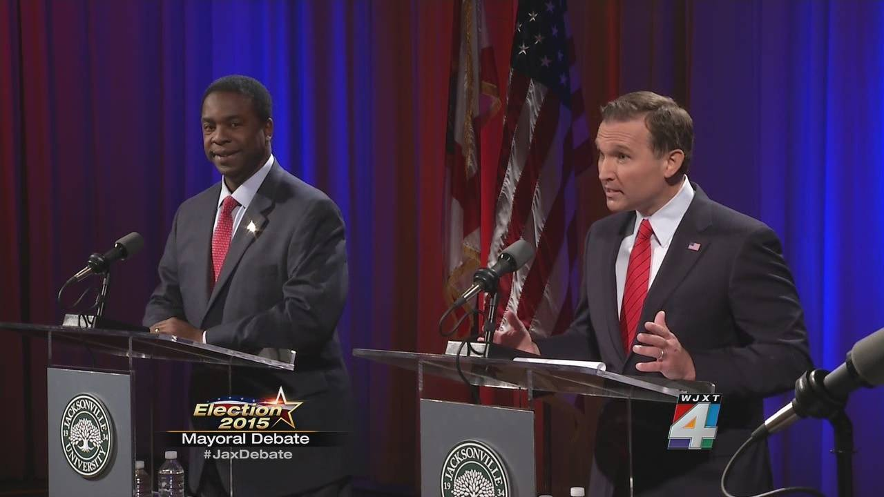 Mayoral candidate question each other_33033814