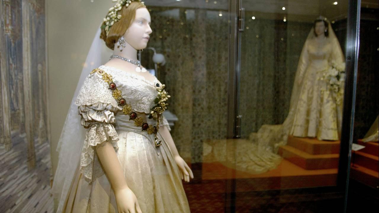 Queen Victoria's dress_1522938840187.jpg.jpg