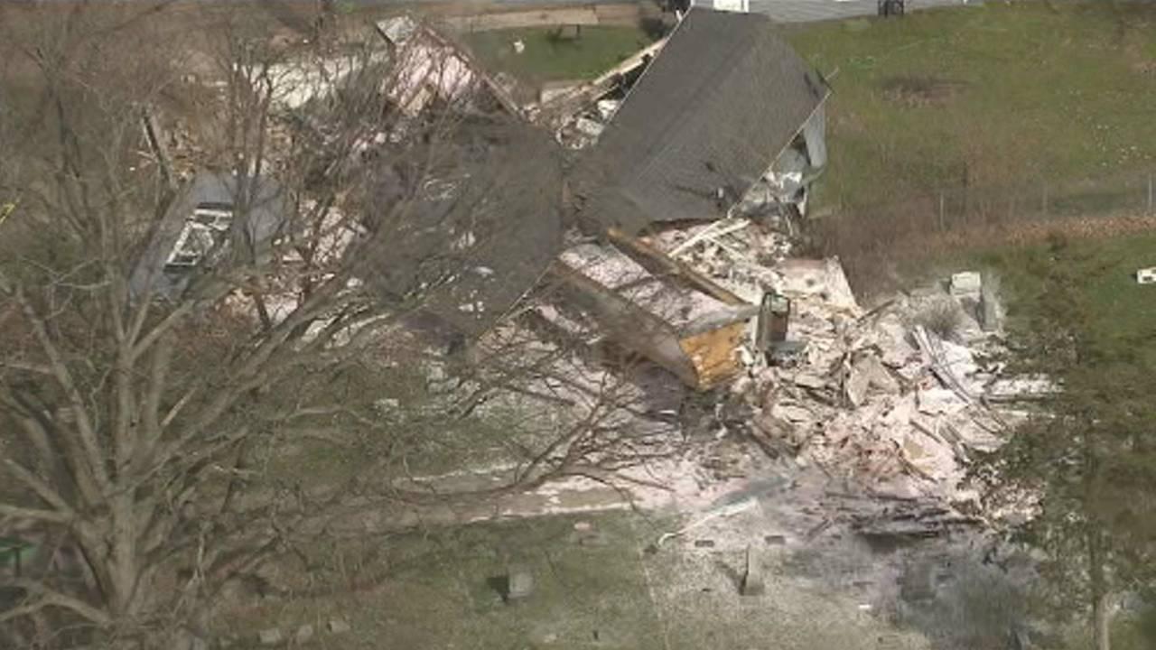 Semi truck crashes into house Macomb Township 5