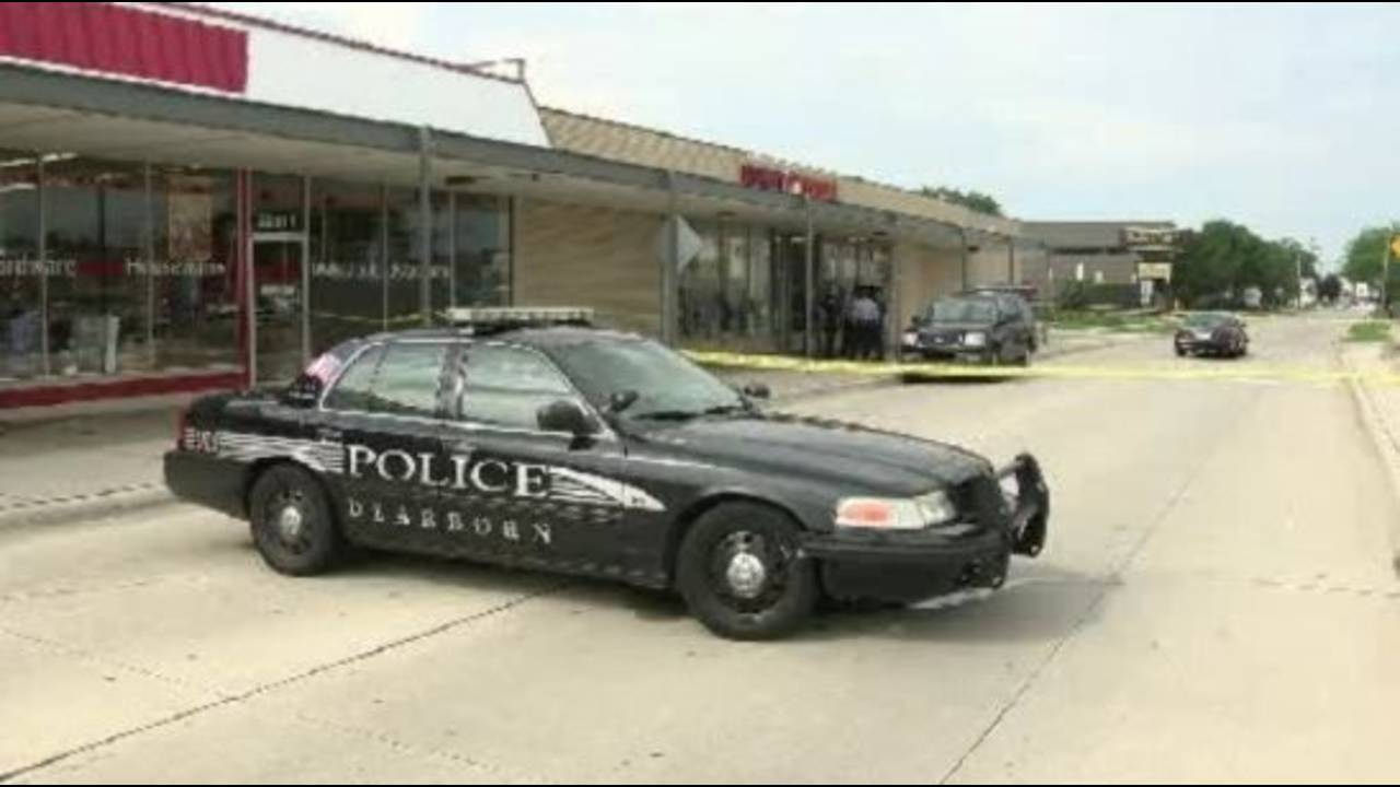 Dearborn Family Dollar robbery abduction_21003506