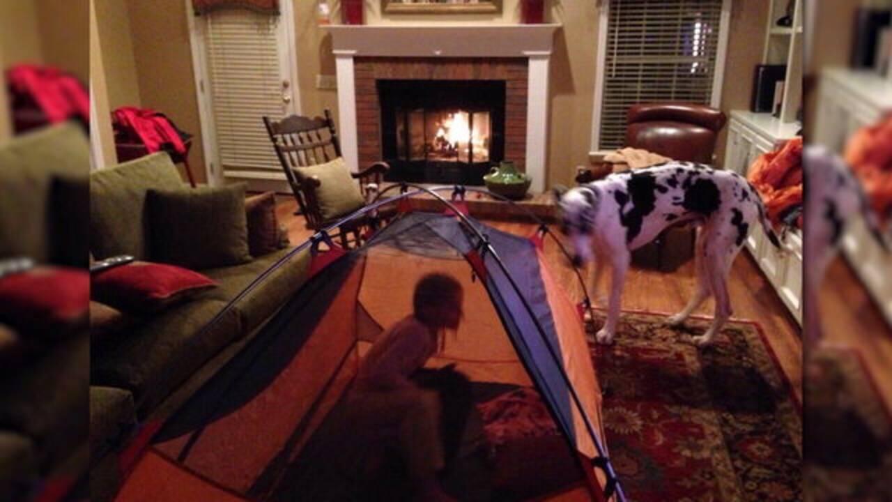 Kids camping in living room_1551107458583.jpg.jpg