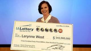 Powerball winner gives $500K to veterans group
