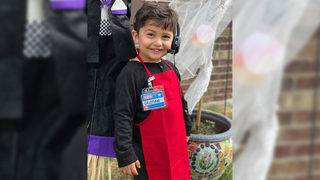 Adorable 2-year-old dresses up as H-E-B mic chef for Halloween
