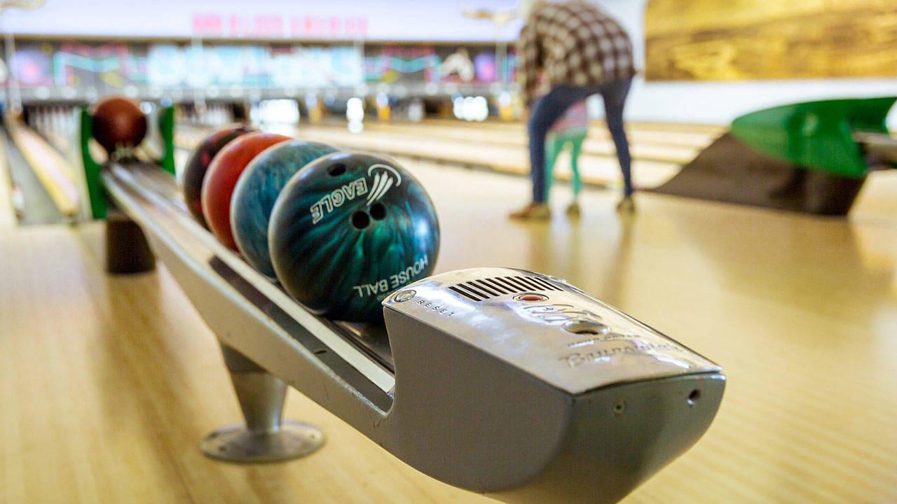 bowling-1951472_1280_1557758195207.jpg