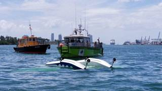 Small seaplane crashes in water near PortMiami