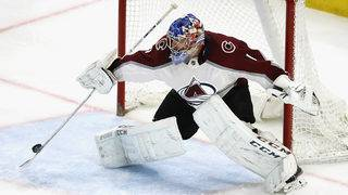 Varlamov makes 24 saves as Avalanche shut out Red Wings, 2-0