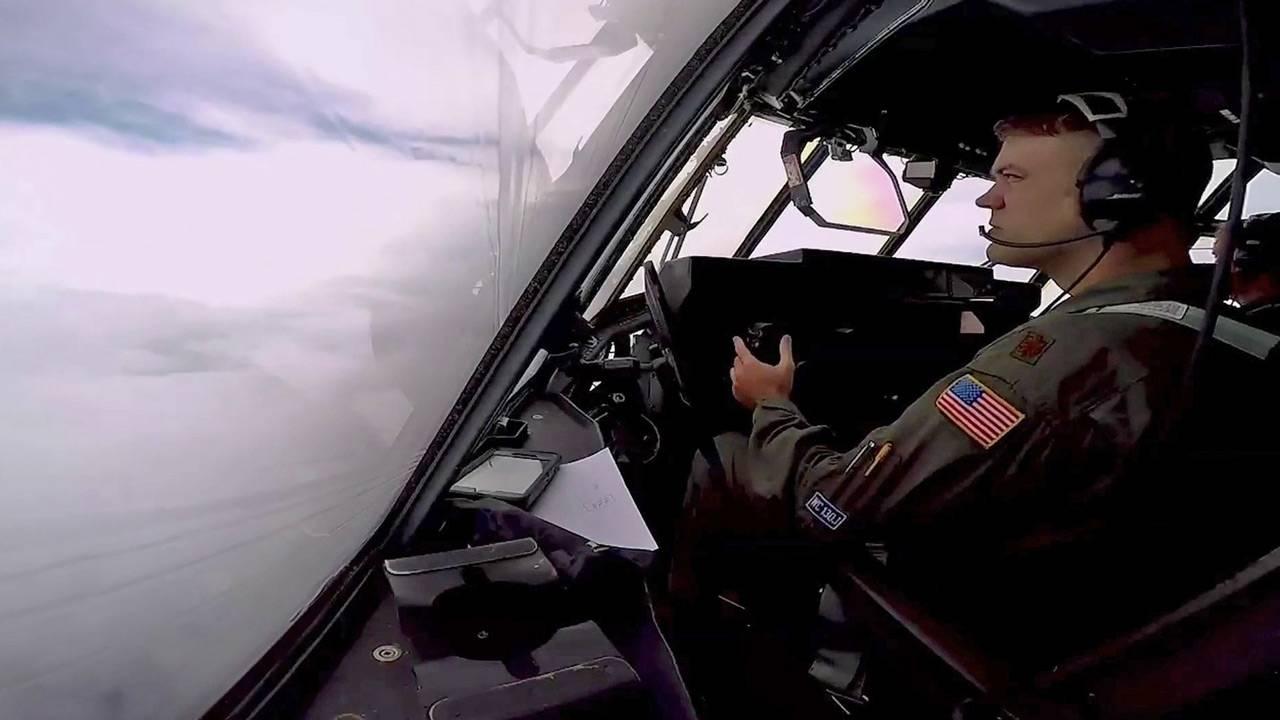 Hurricane-Hunter-pilot_1536963868434.jpg