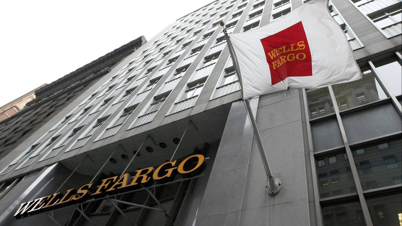 Wells Fargo Says Hundreds Of Customers Lost Homes After