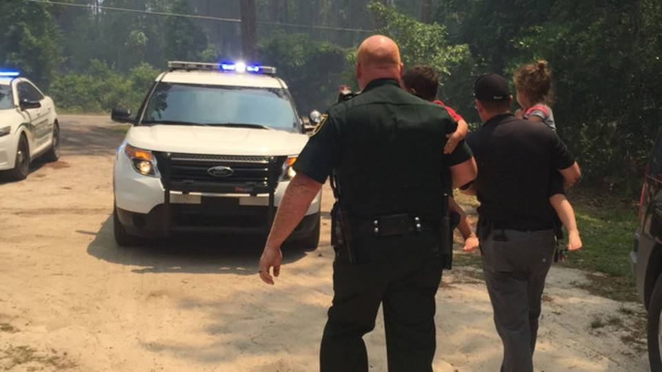 Deputies help evacuate child care center