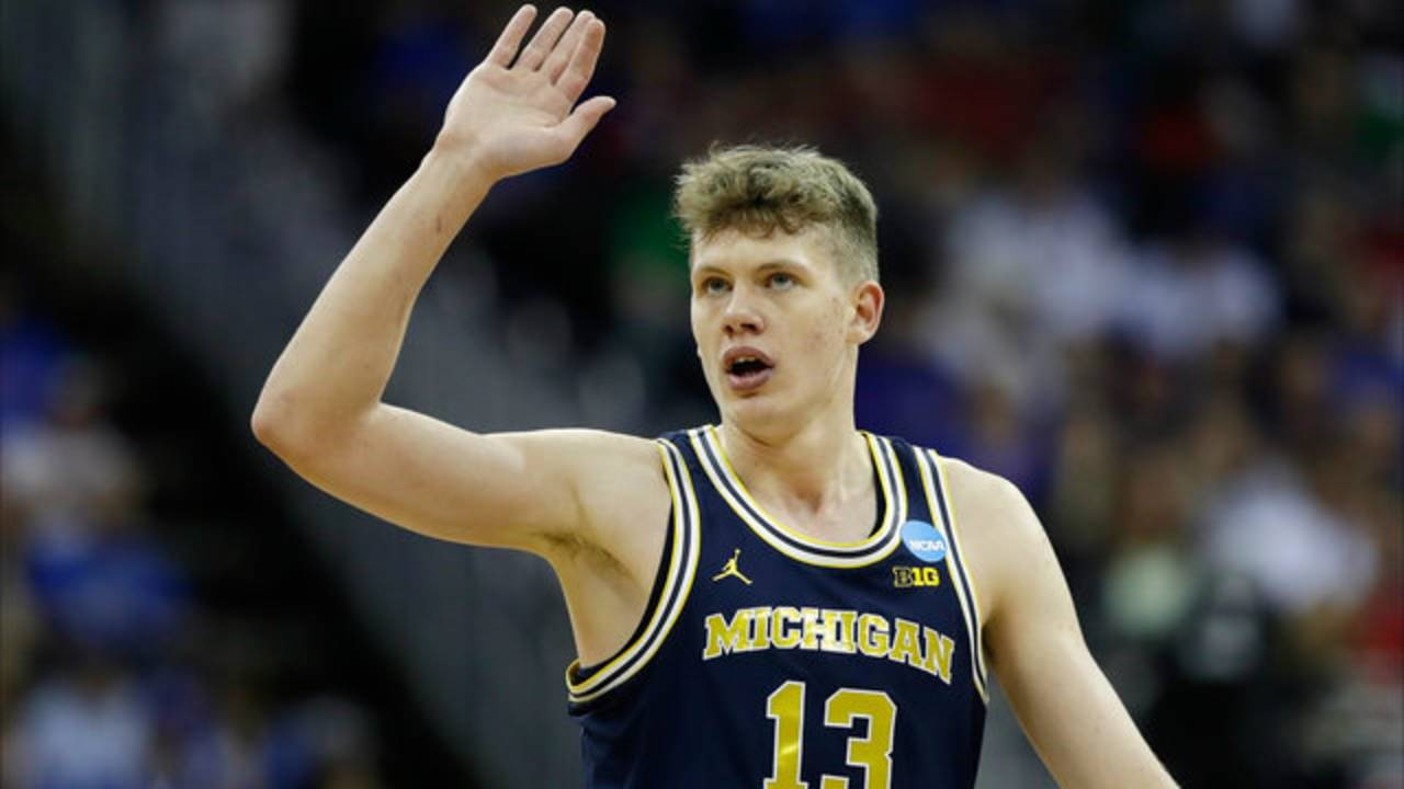 Mo Wagner Michigan basketball vs Oregon 2017 NCAA Tournament
