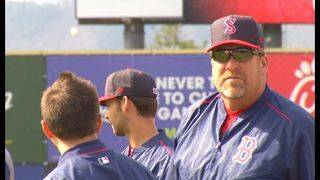 Oliver to return as Red Sox manager in 2018