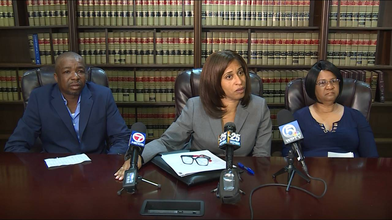 Jessie Jones, attorney Nicole Hunt Jackson and Deanna Washington at news conference