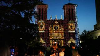 'The Saga' creator returns to San Fernando Cathedral four years after debut