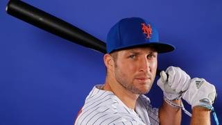 Tim Tebow to see hand specialist after suffering injury