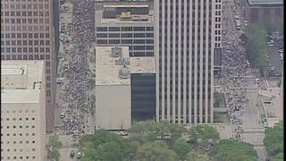 'March for Our Lives': 15,000 Houstonians marched though downtown Houston