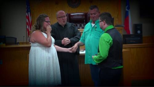 Tearful reunion between heart transplant recipient, family of boy who died 7 years ago