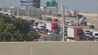 Woman killed while tending to disabled car on I-95 in Fort Lauderdale
