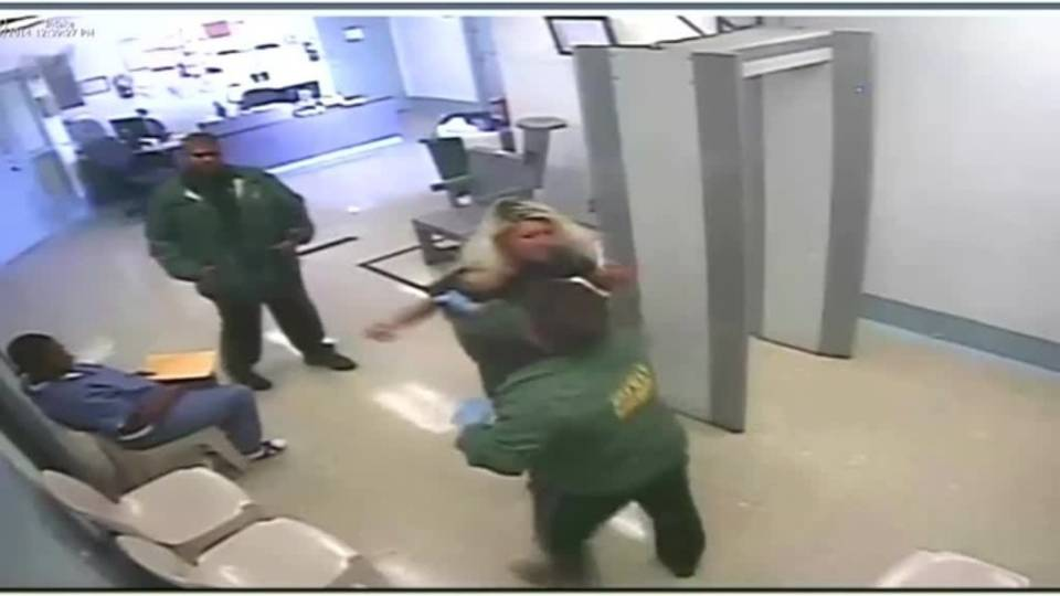 Deputy tosses Audra West around_33397968