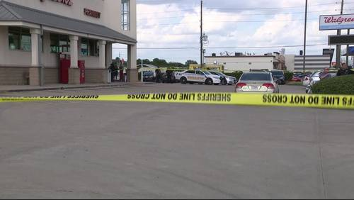 Carpool driver in critical condition after being shot in face by tow truck driver