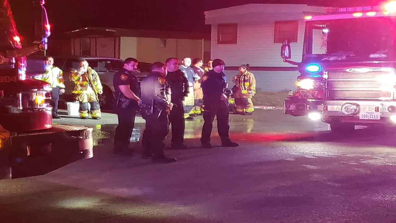 officers at mobile home fire_1540379312689.jpg.jpg