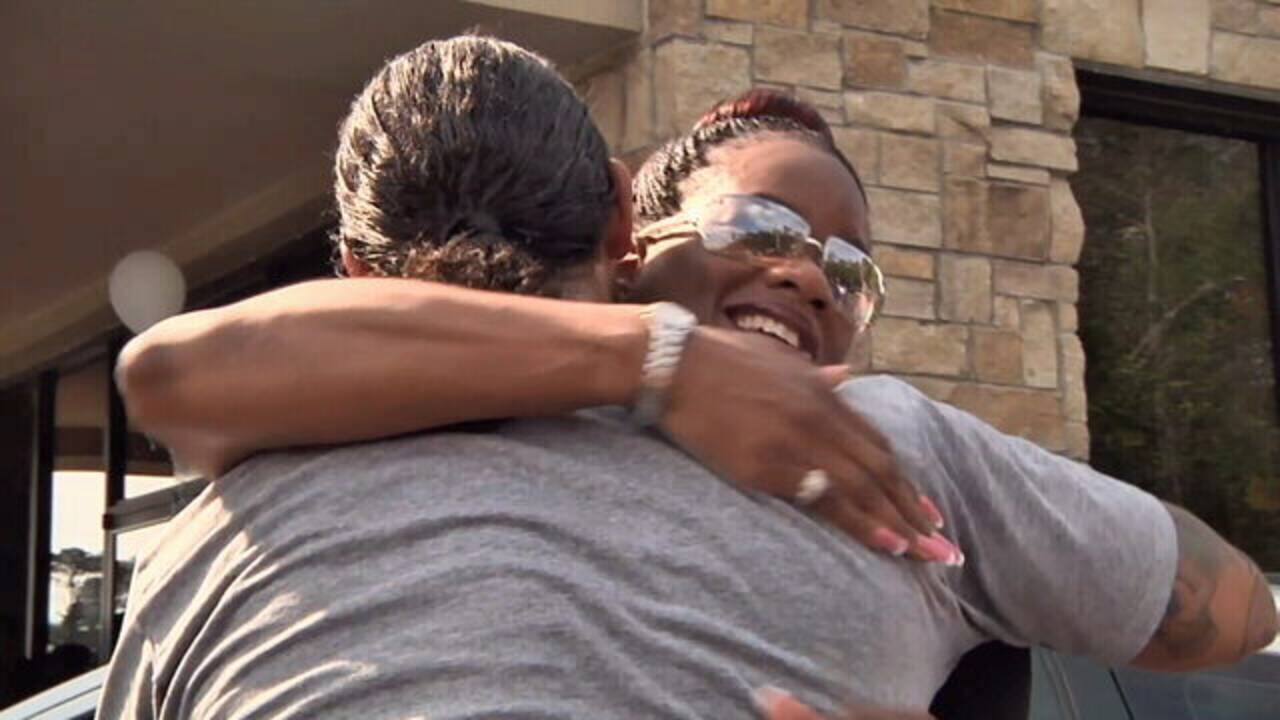 11-08-18 Veterans hug after receiving cars