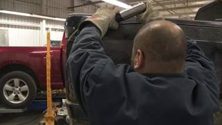 Phones are busy at Houston-area automobile repair shops after icy roads&hellip&#x3b;