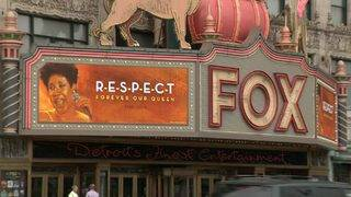 Fans, celebrities pay tribute to Aretha Franklin in Detroit