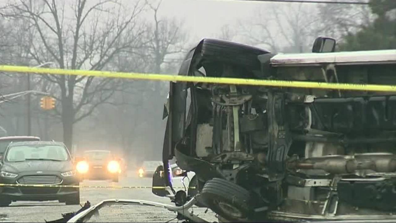 FedEx driver killed in crash on Detroit's east side 5