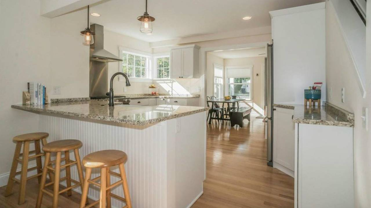1801 Charlton St kitchen