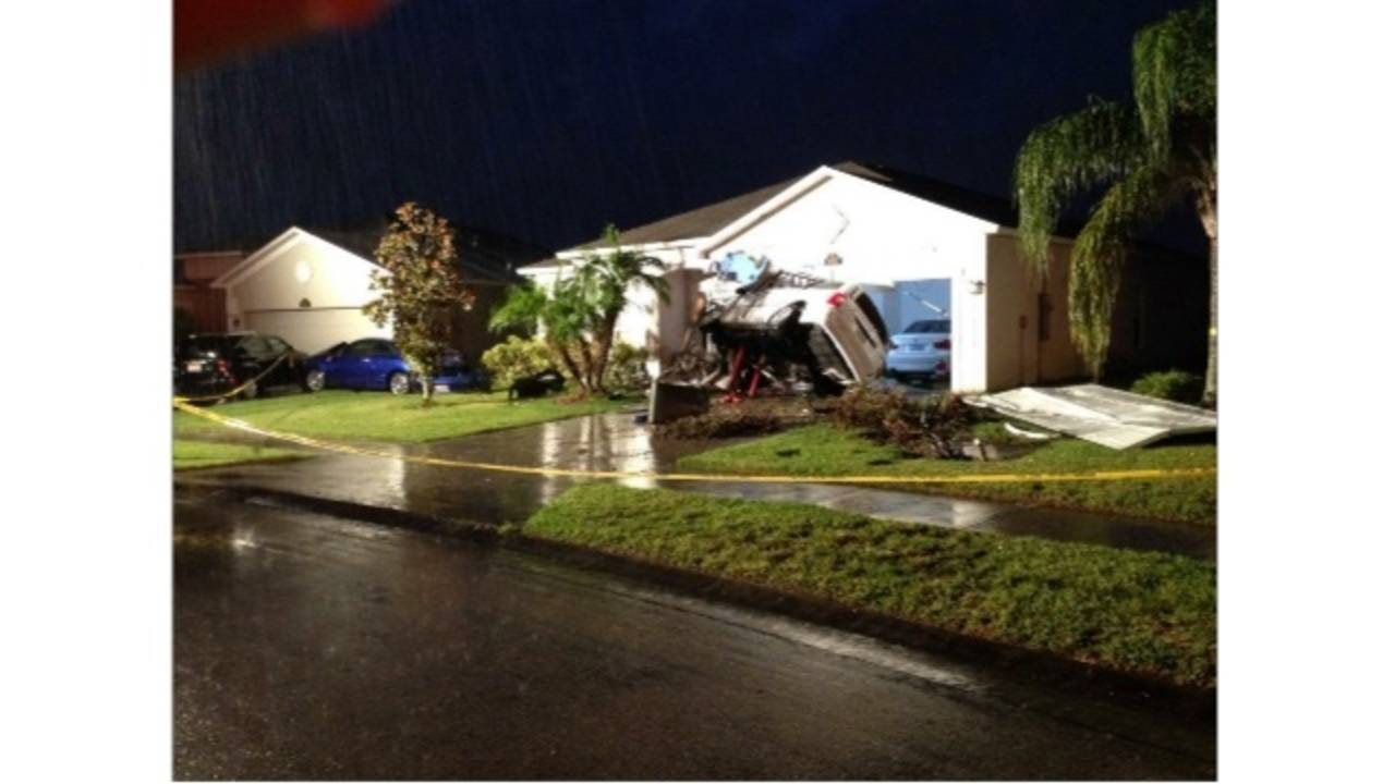 Car crash into Viera home 2_33315322