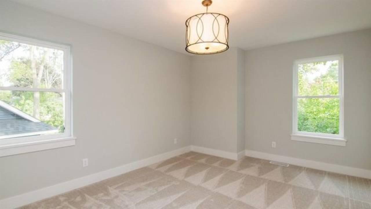 1886 Miller Ave bedroom