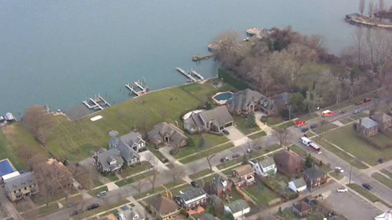 Woman rescued from car sinking Detroit River in Trenton