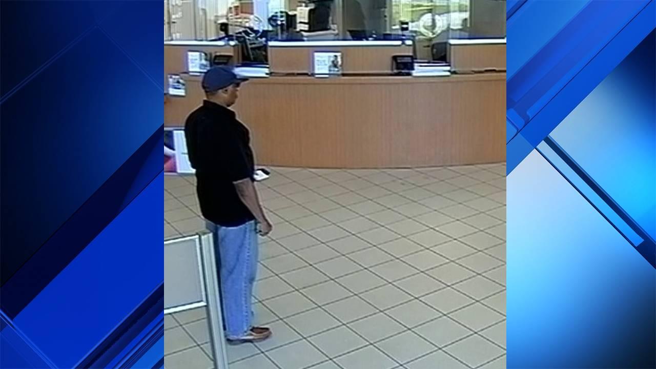 Longshot of Fort Lauderdale bank robber