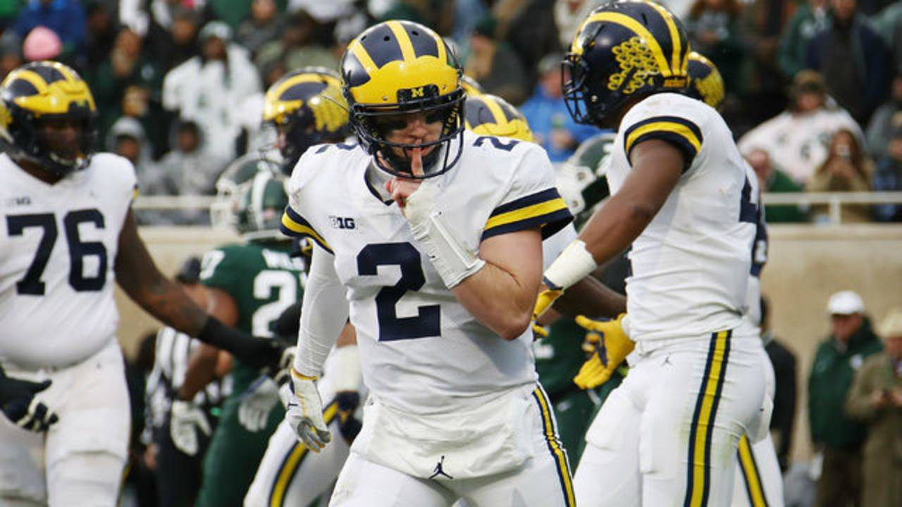 Shea Patterson shush Michigan football vs Michigan State 2018