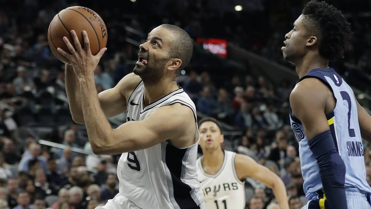 975d30bb7fc Tony Parker to sign with Hornets after 4 titles