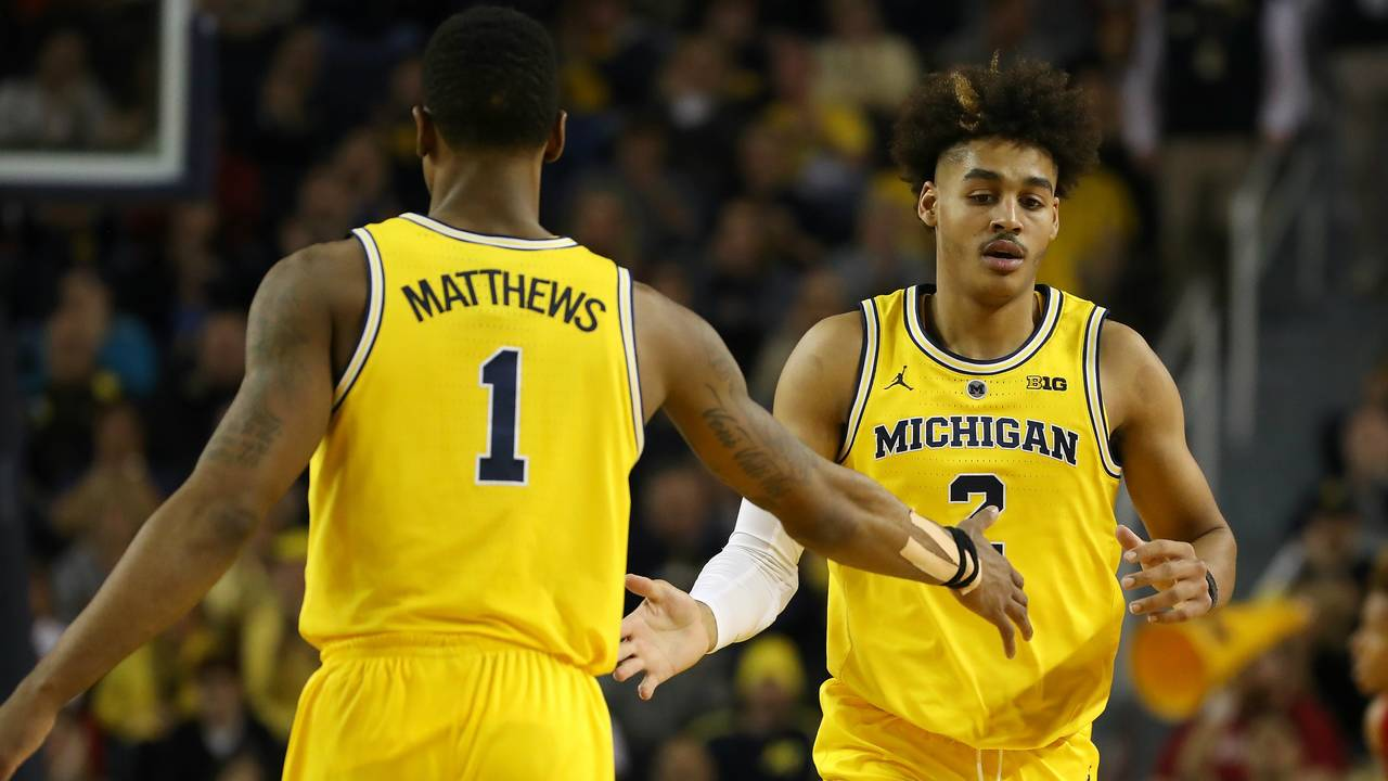 Jordan Poole Charles Matthews Michigan basketball vs Indiana 2019